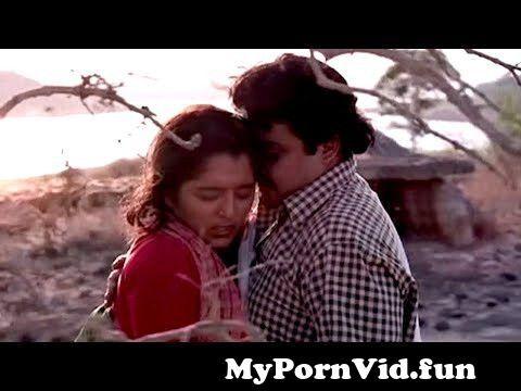 View Full Screen:124 lalettan 124 manju warrier 124 malayalam romantic scene.jpg